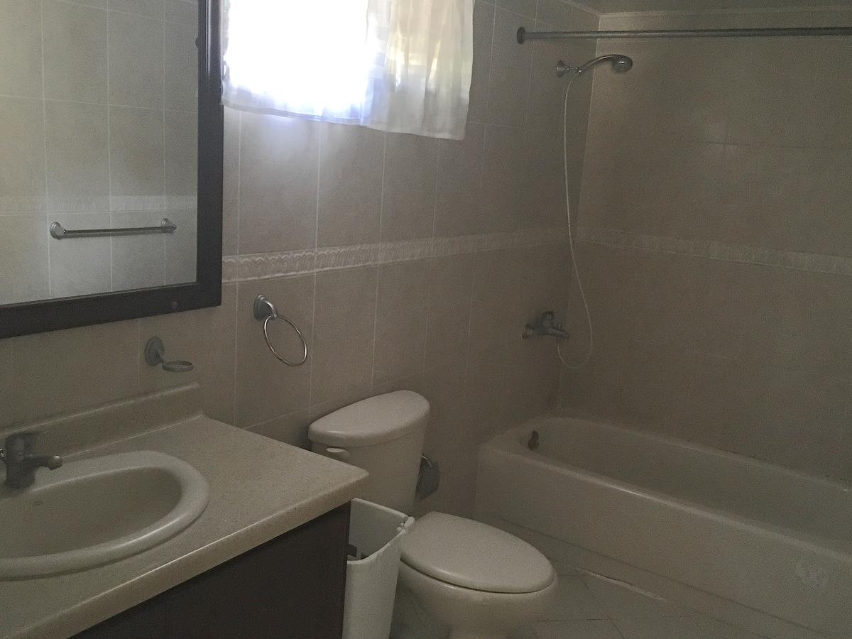 12 de 12: Baño habitación principal