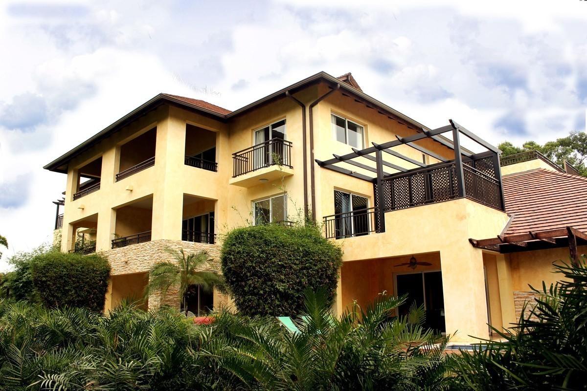 1 de 20: Edificio principal - Casa del Lago