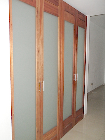 7 de 16: Acabados de closet y puertas