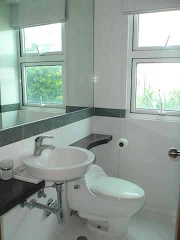 4 de 16: Baño habitación secundaria