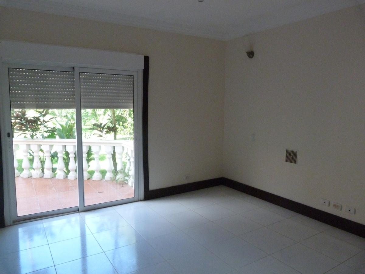 2 de 26: Habitacion 1 con balcon (Primer Piso)