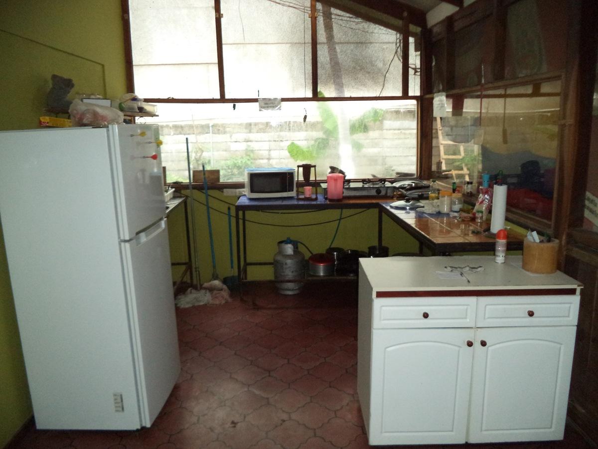 4 of 10: Kitchen area