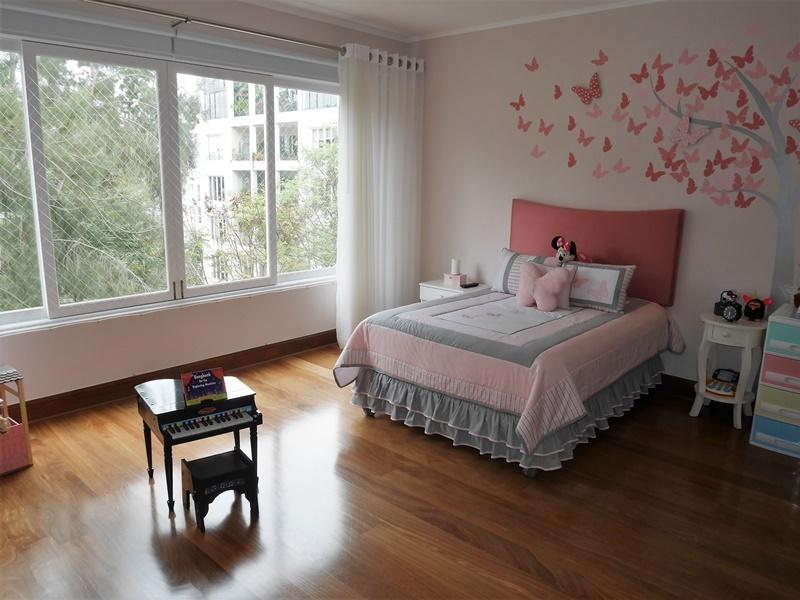 6 de 43: Amplio dormitorio secundario completo