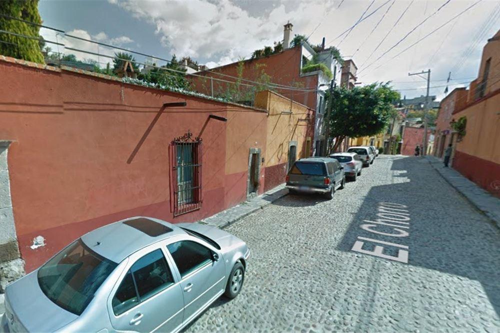 6 of 6: Vecindario 3
