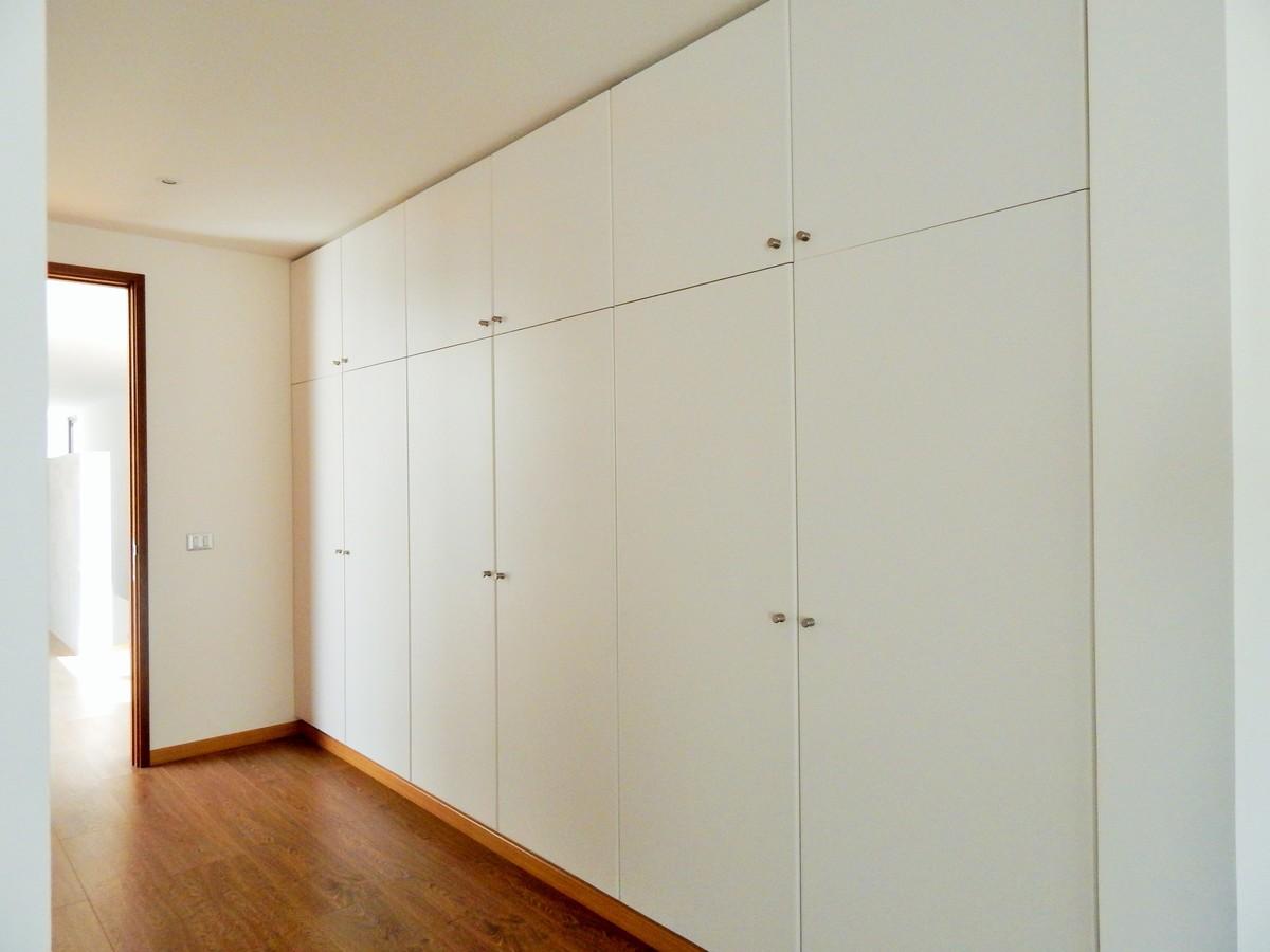 12 de 45: Closets pasillo dormitorio principal
