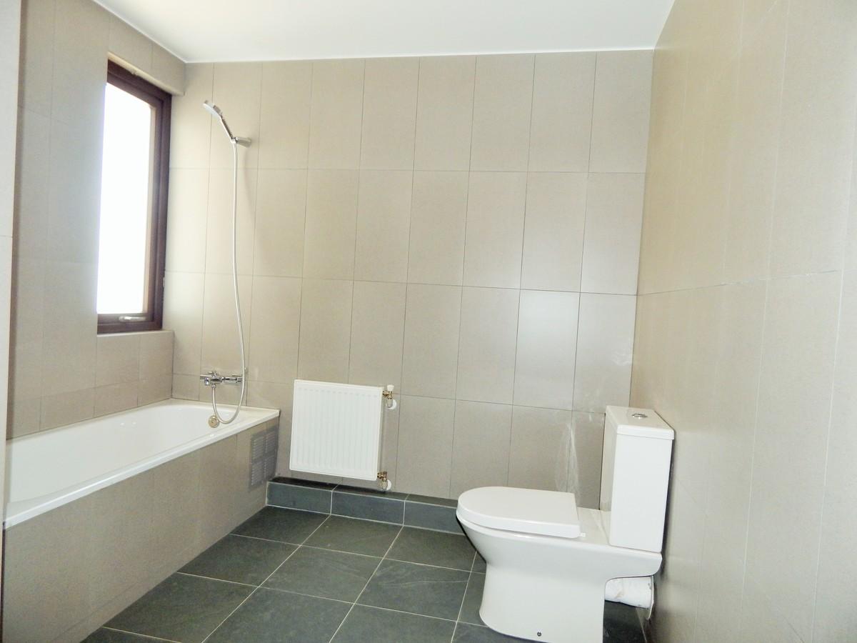 23 de 45: Baño segundo piso