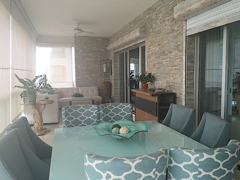 4 de 22: Amplia terraza con 2 ambientes, sala y Comedor de diario