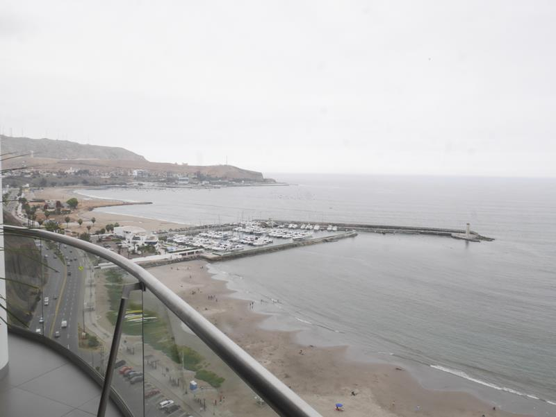 20 de 50: Vista al Lima Marina Club