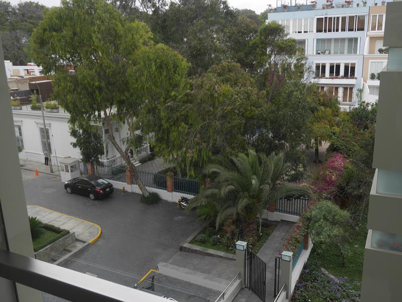 32 de 49: Vista desde Dormitorio 2 al Parque del frente