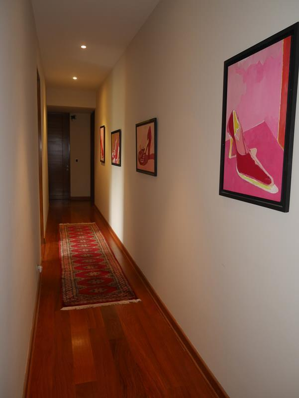 37 de 50: Pasillo Área de los 3 Dormitorios Secundarios