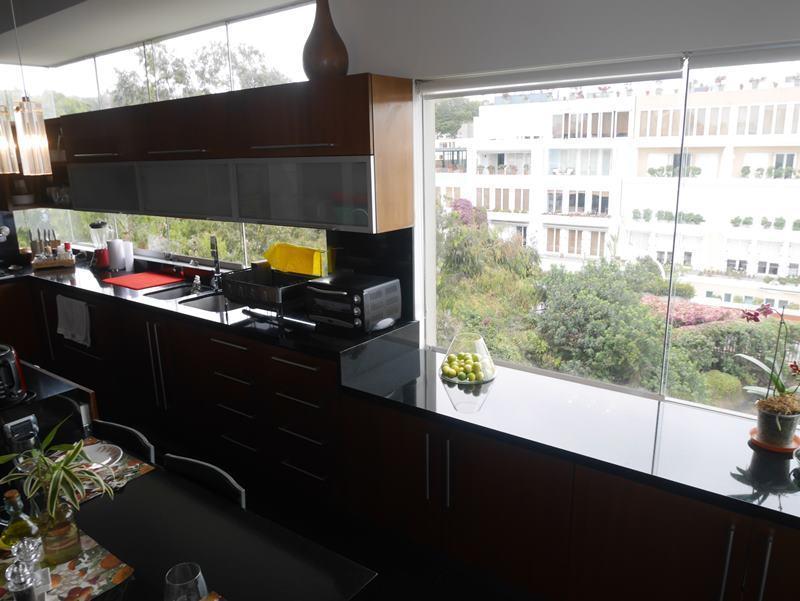 43 de 50: Una de las ventanas de la cocina