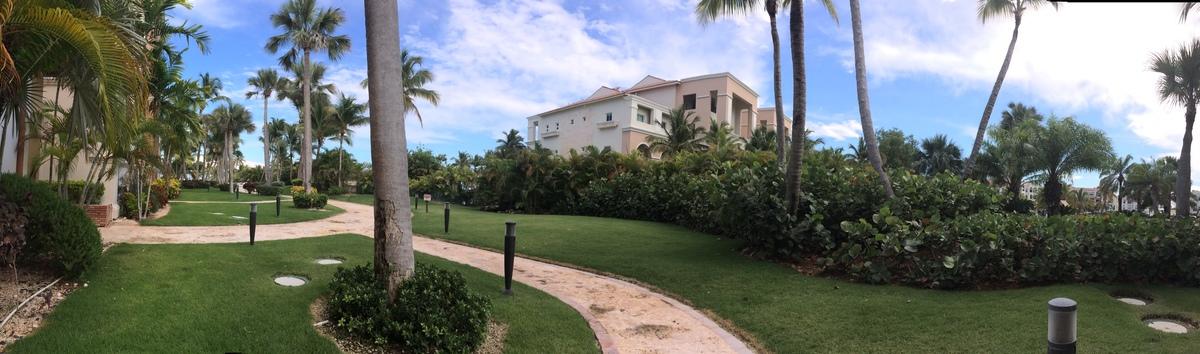 11 de 11: Vista posterior, facil acceso a la piscina y playa