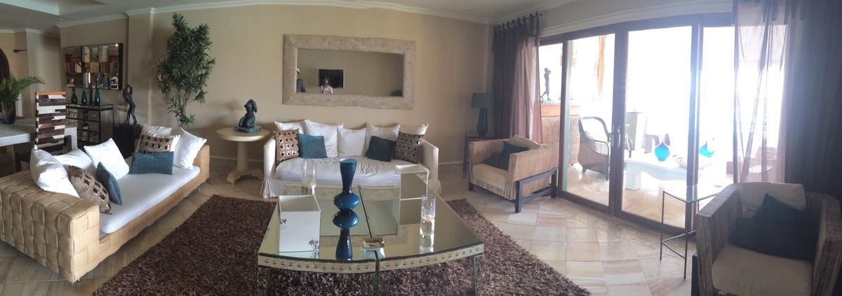 3 de 12: Living Room