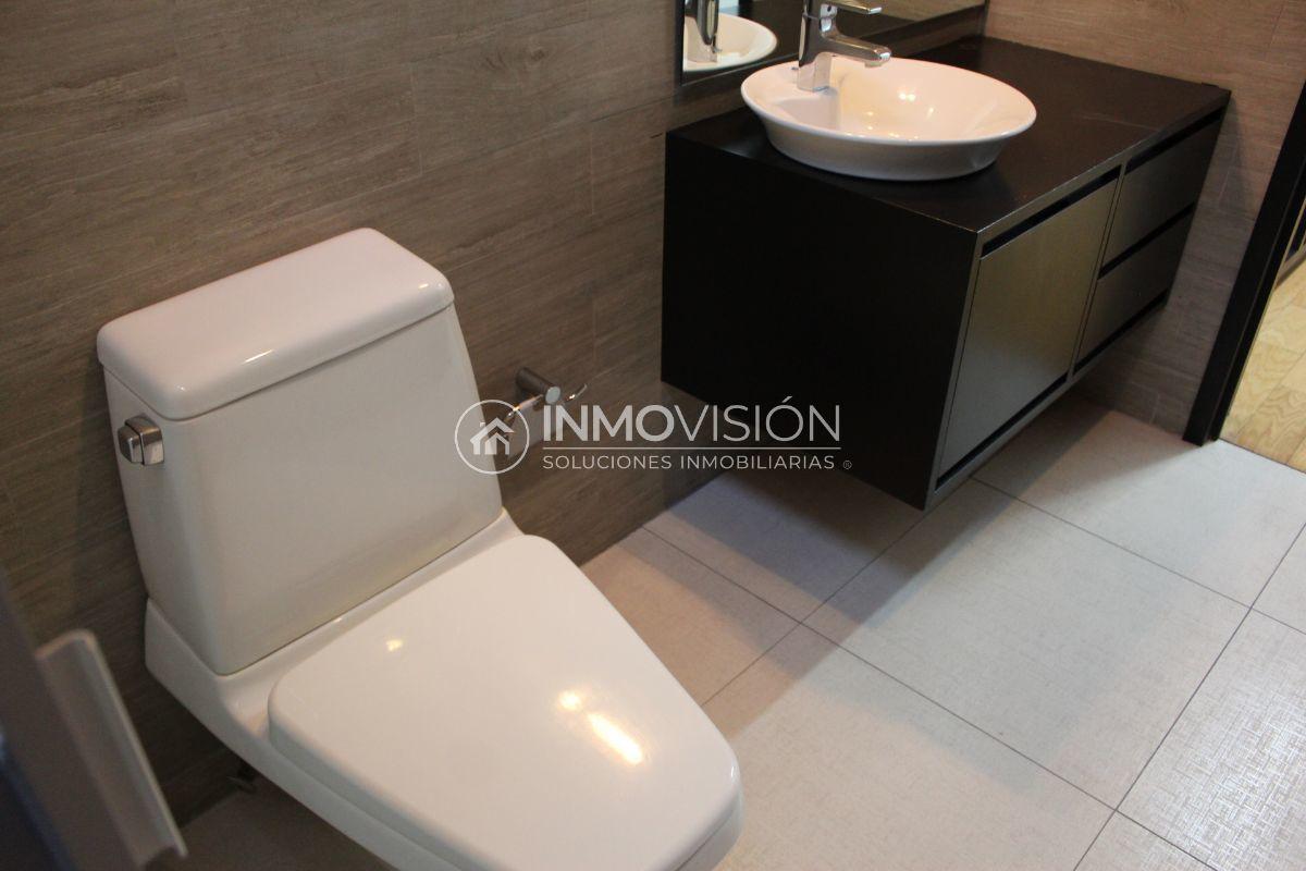 40 de 50: Acabados interiores en baño recámara secundaria