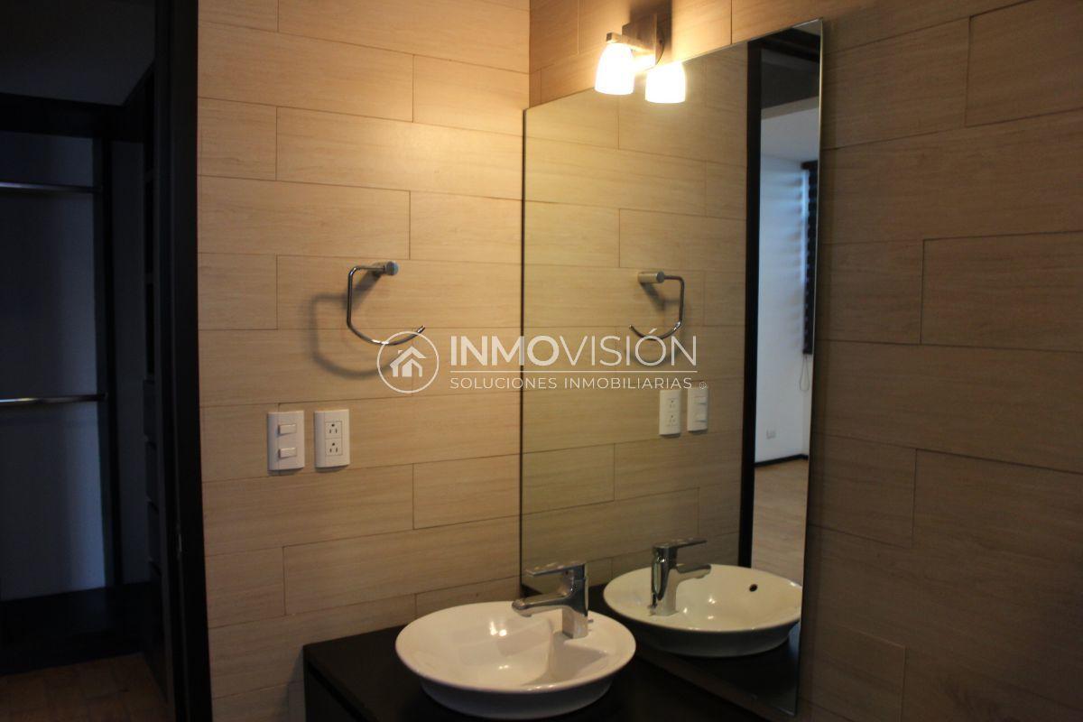 41 de 50: Interiores baño accesorios helvex