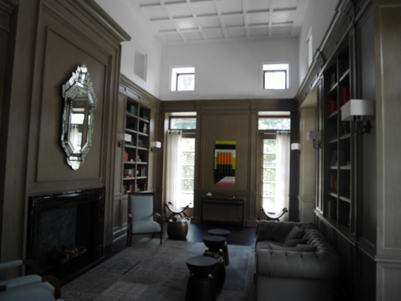 33 de 37: Biblioteca en el área común