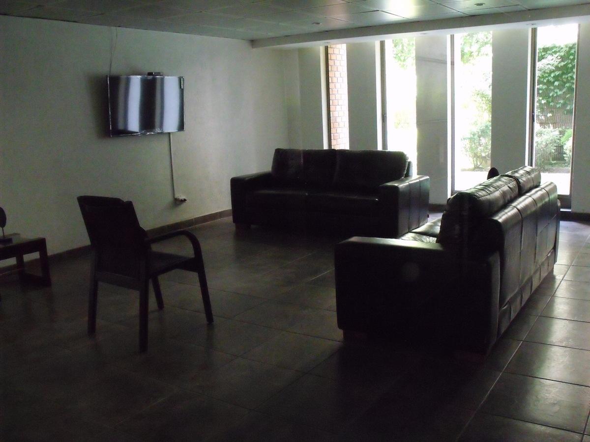 48 de 48: Sala de eventos edificio