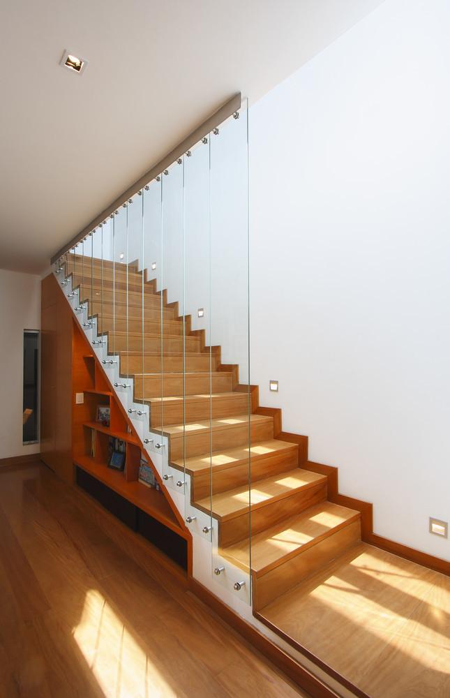 11 de 18: Escalera principal