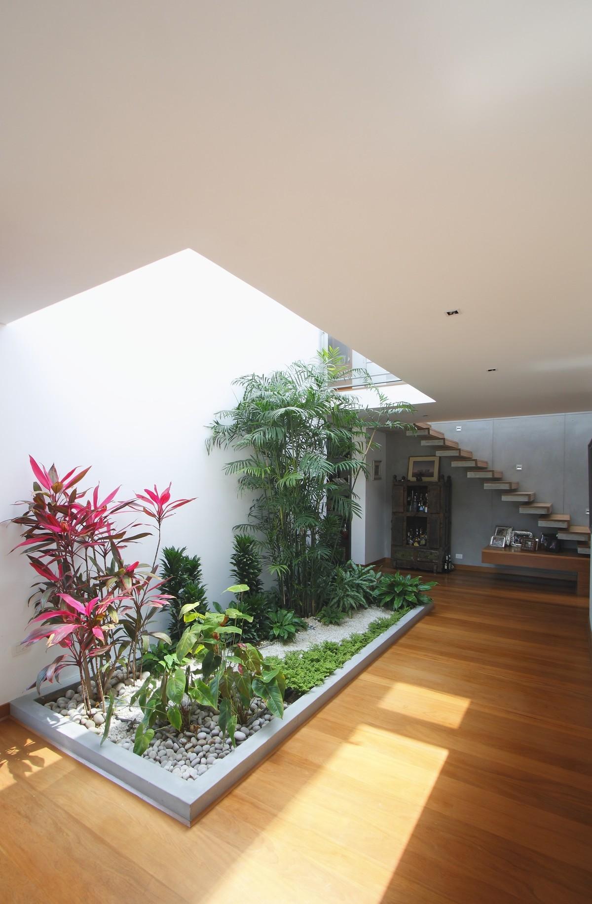 9 de 18: Jardín interior