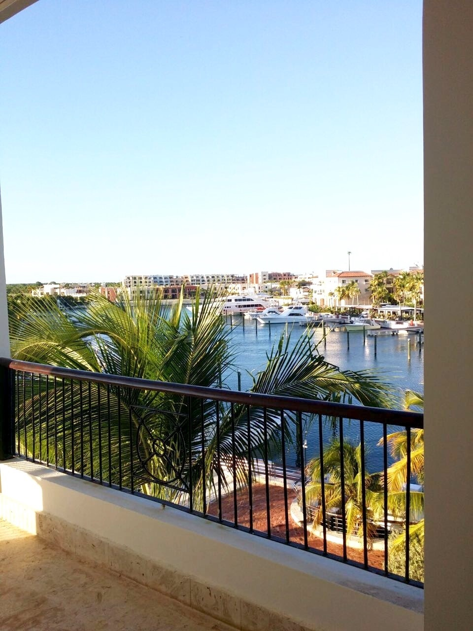 2 de 10: Terrace views to the Marina