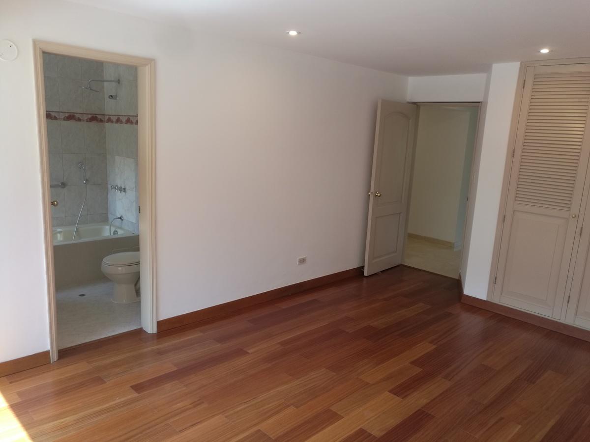 16 de 34: Dormitorio Secundario 1 con baño incorporado