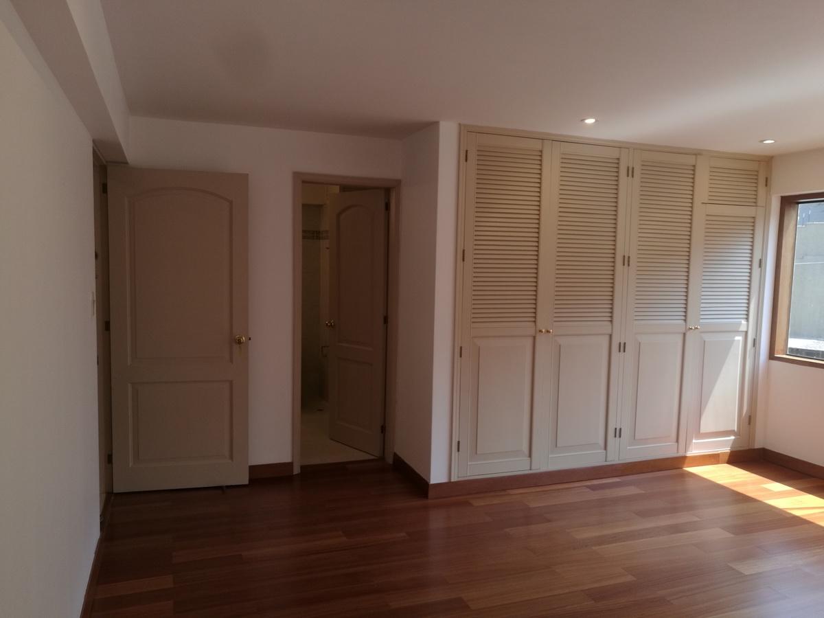 17 de 34: Dormitorio Secundario 2 con baño incorporado
