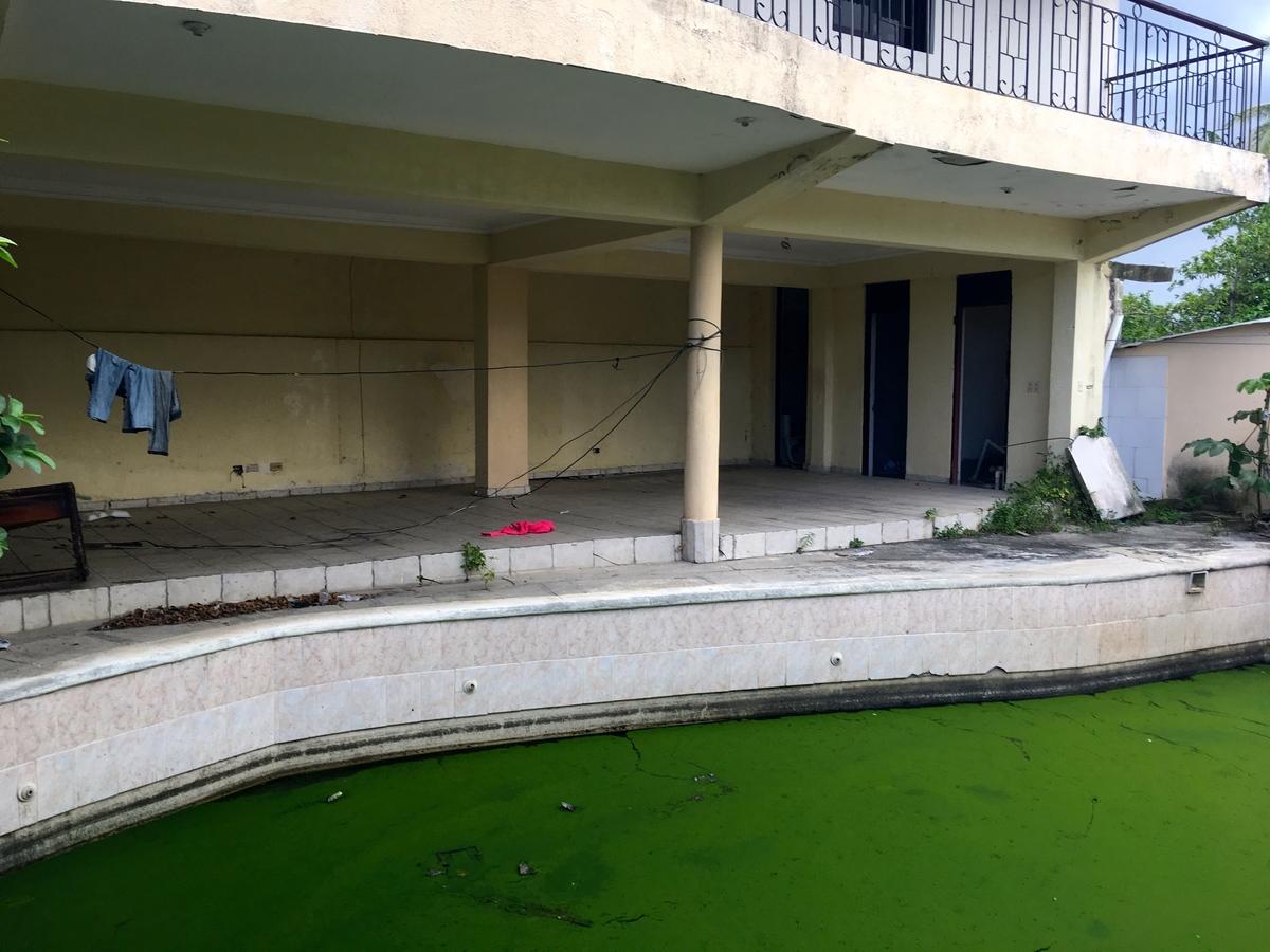 13 de 25: piscina