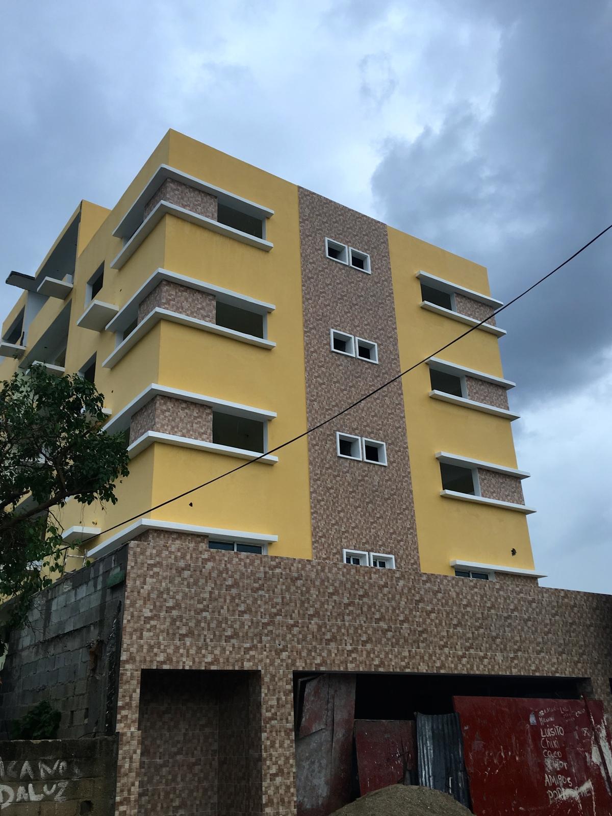 2 de 18: Fachada del Edificio