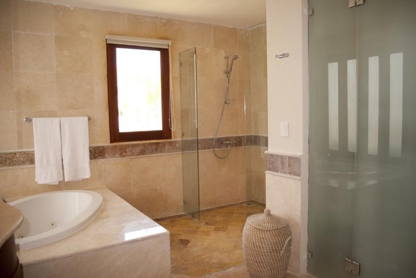 13 de 16: Bathroom