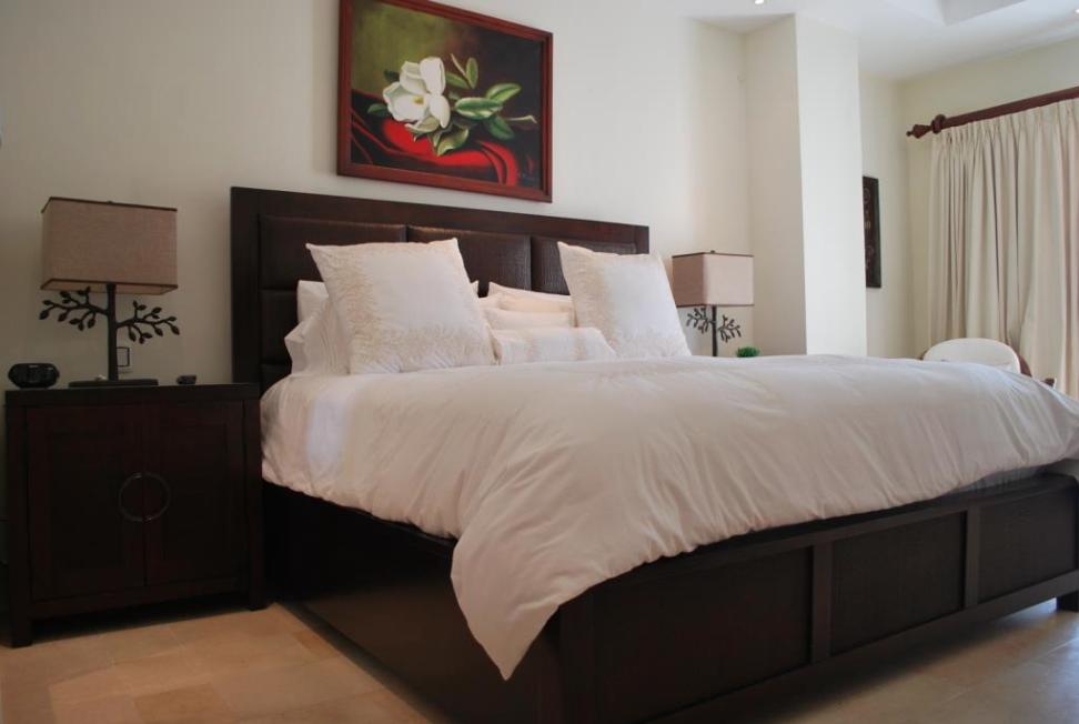 4 de 9: Master bedroom 1