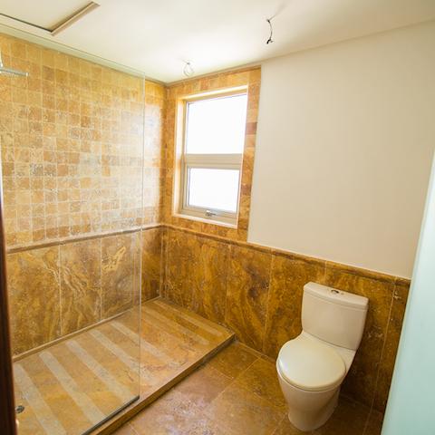 9 de 16: Baño Habitación Secundaria