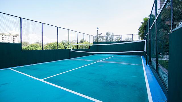 14 de 16: Cancha de tennis Area Social