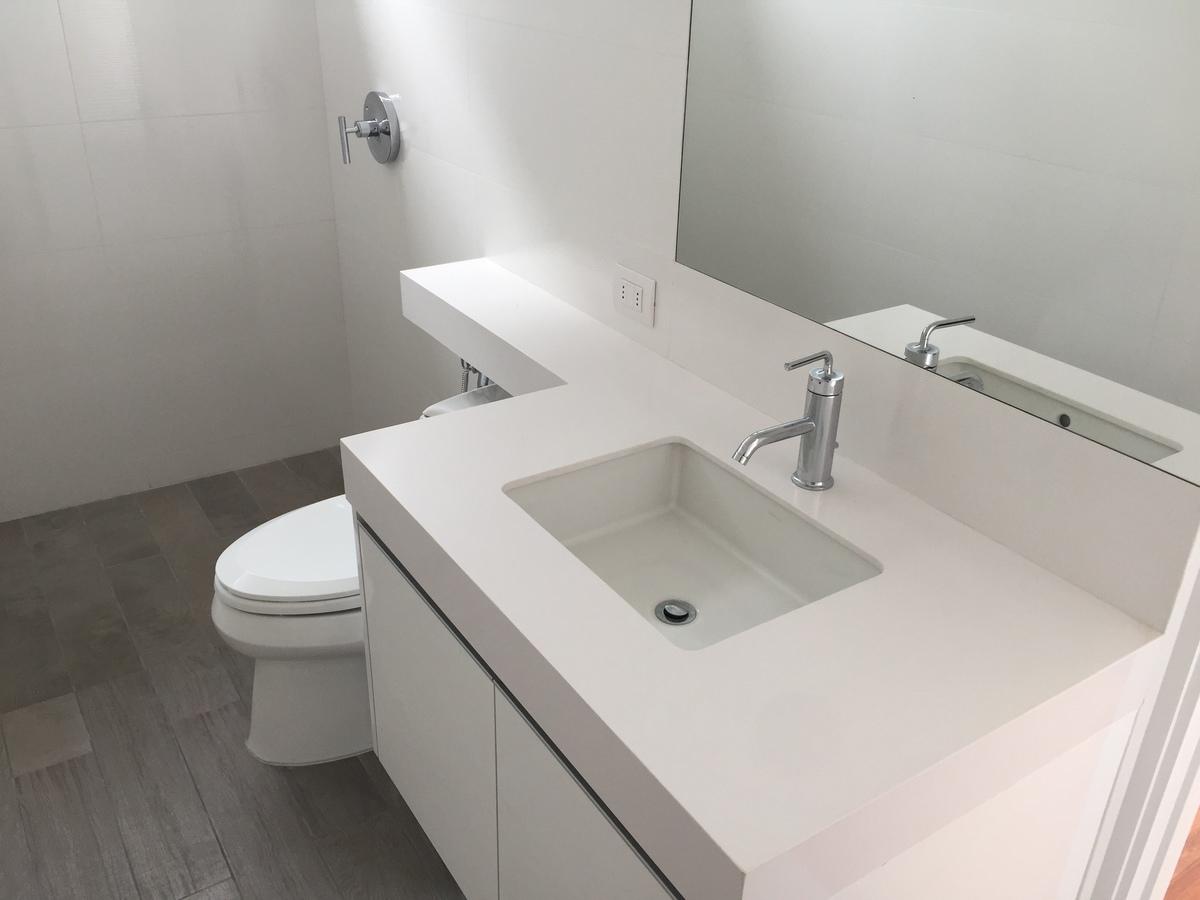 15 de 22: Baño dormitorio secundario
