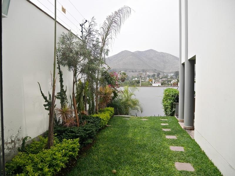 33 de 41: Jardin interno