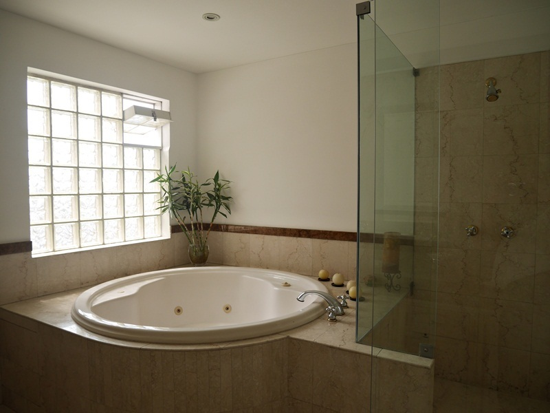 25 de 41: Baño Dormitorio Principal