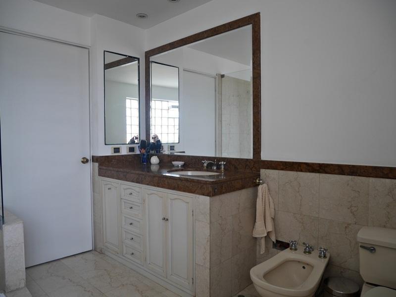 27 de 41: Baño Dormitorio Principal