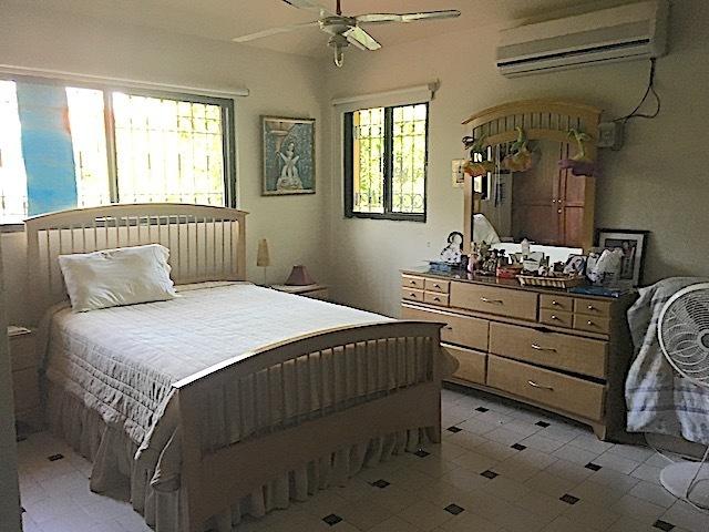 15 de 16: Otra habitación secundaria
