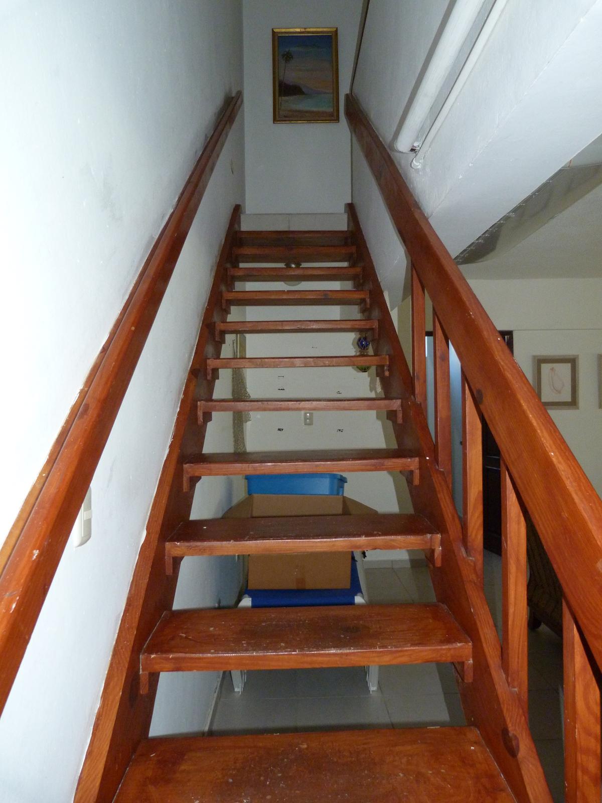 2 de 31: Escalera