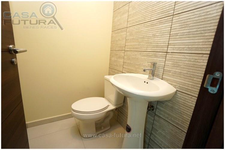 15 de 21: Todos los apartamentos tienen su propio baño de visitas