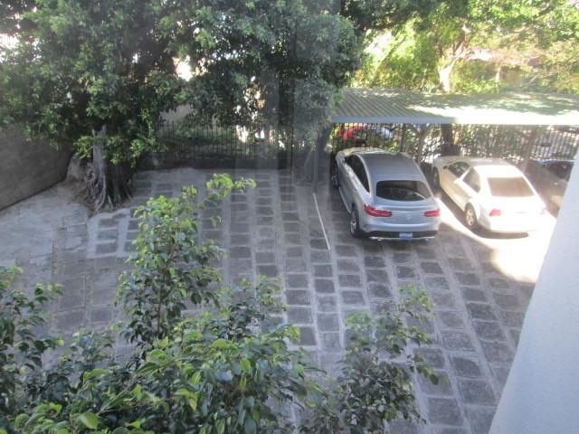 22 de 31: Estacionamiento