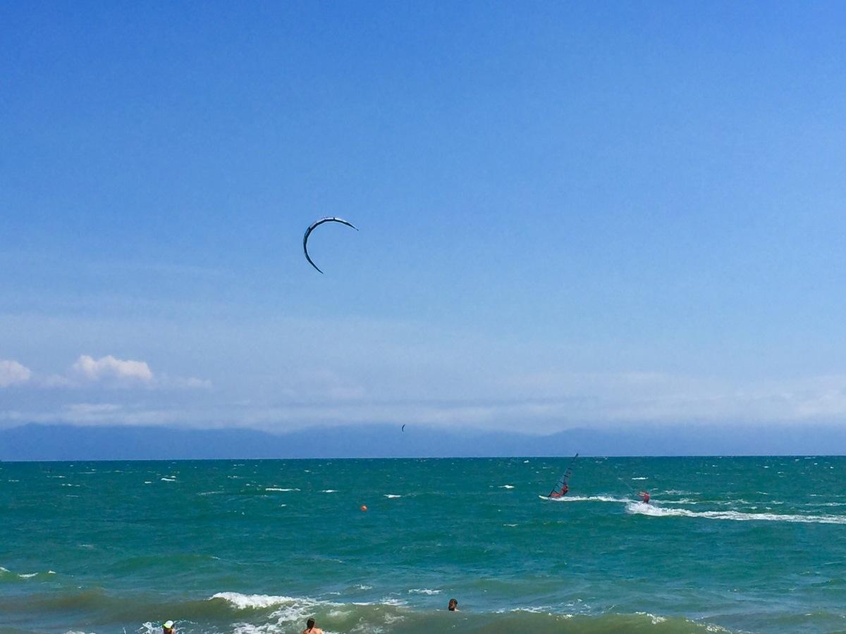 28 de 29: Bucerias beach perfect for long walks, kite surfing, relax!