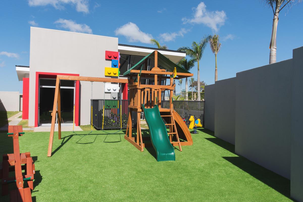 12 de 16: Playground 1