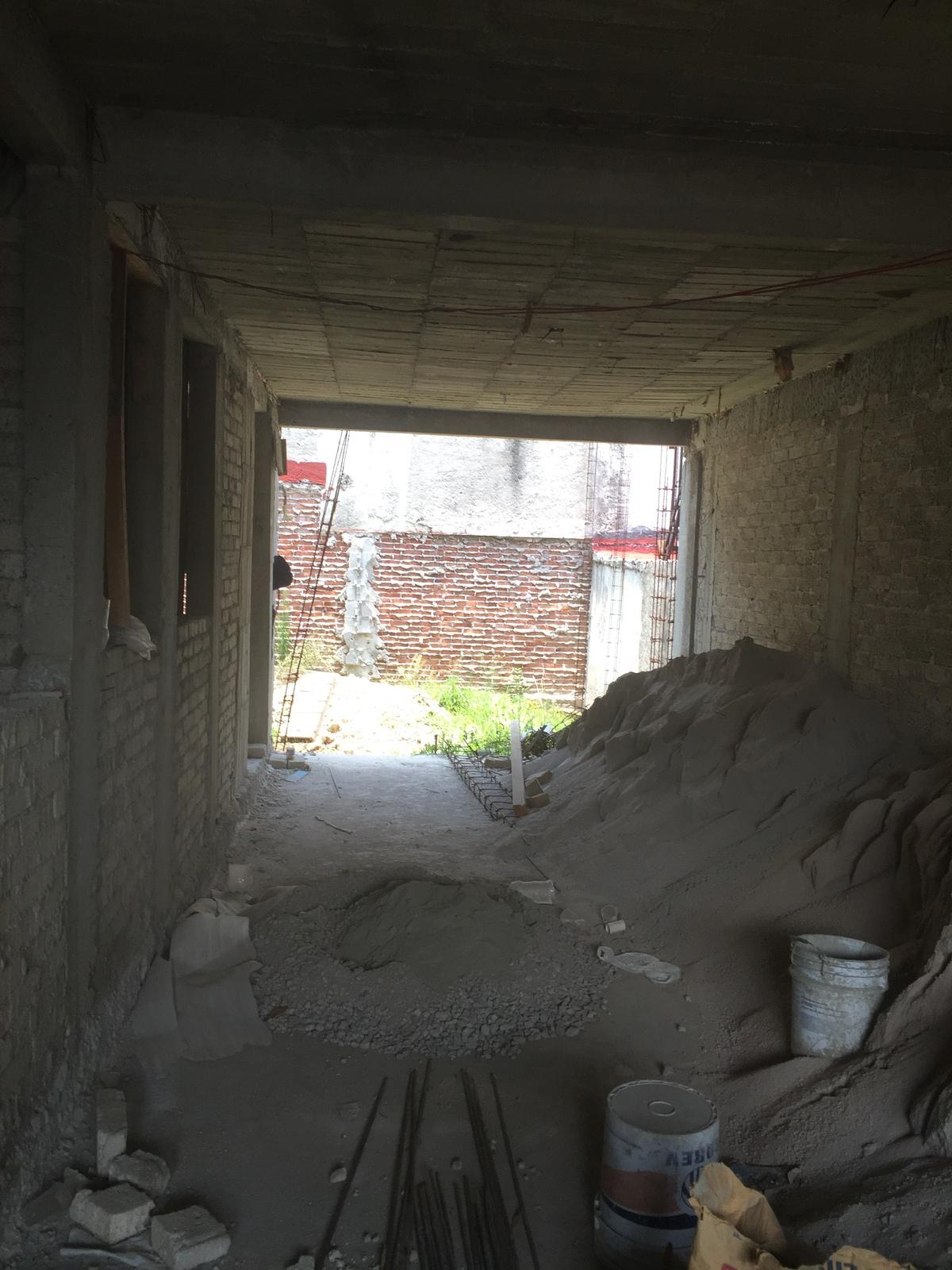5 de 8: Garaje Techado