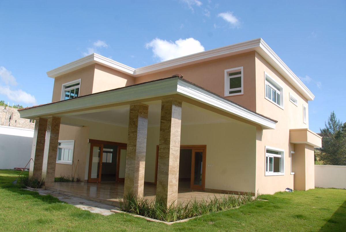 Casa moderna con patio en proyecto cerrado en cerros de for Proyectos casas modernas