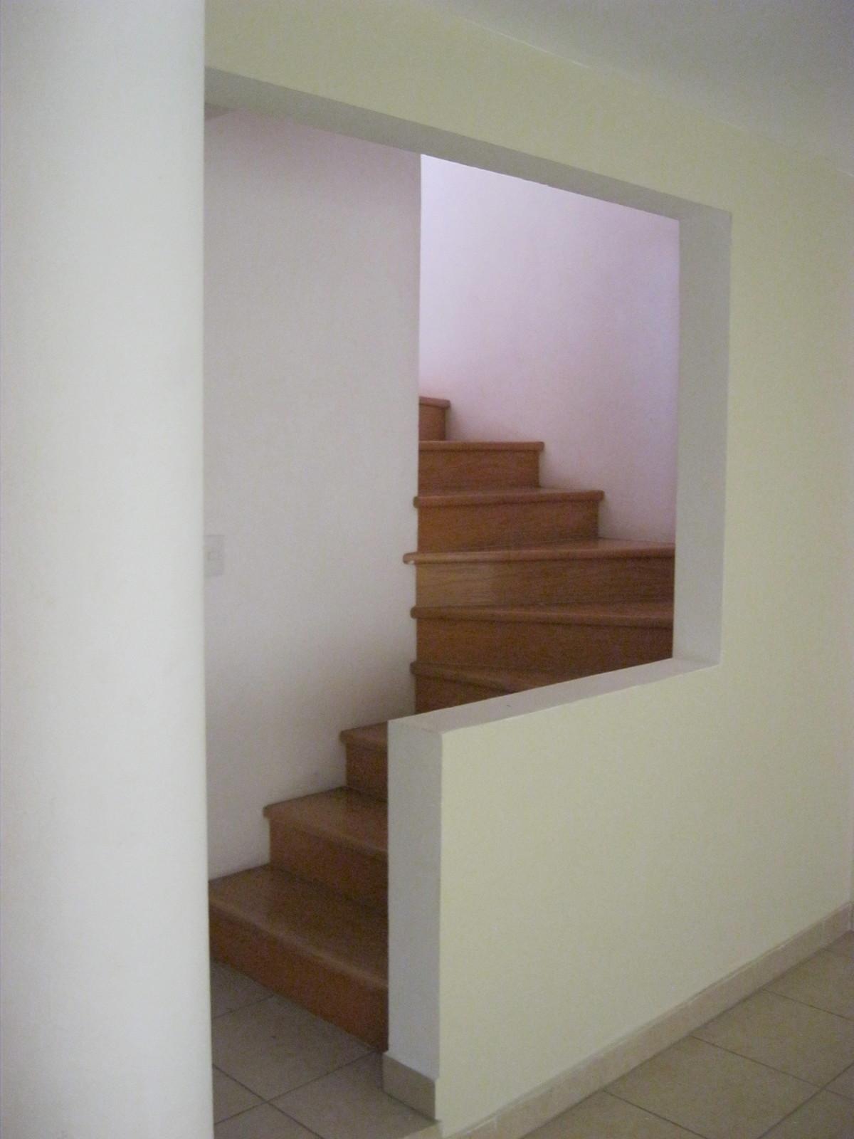 29 de 49: Escalera