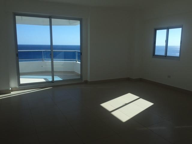 9 de 19: Habitacion Principal con balcon y vista al mar