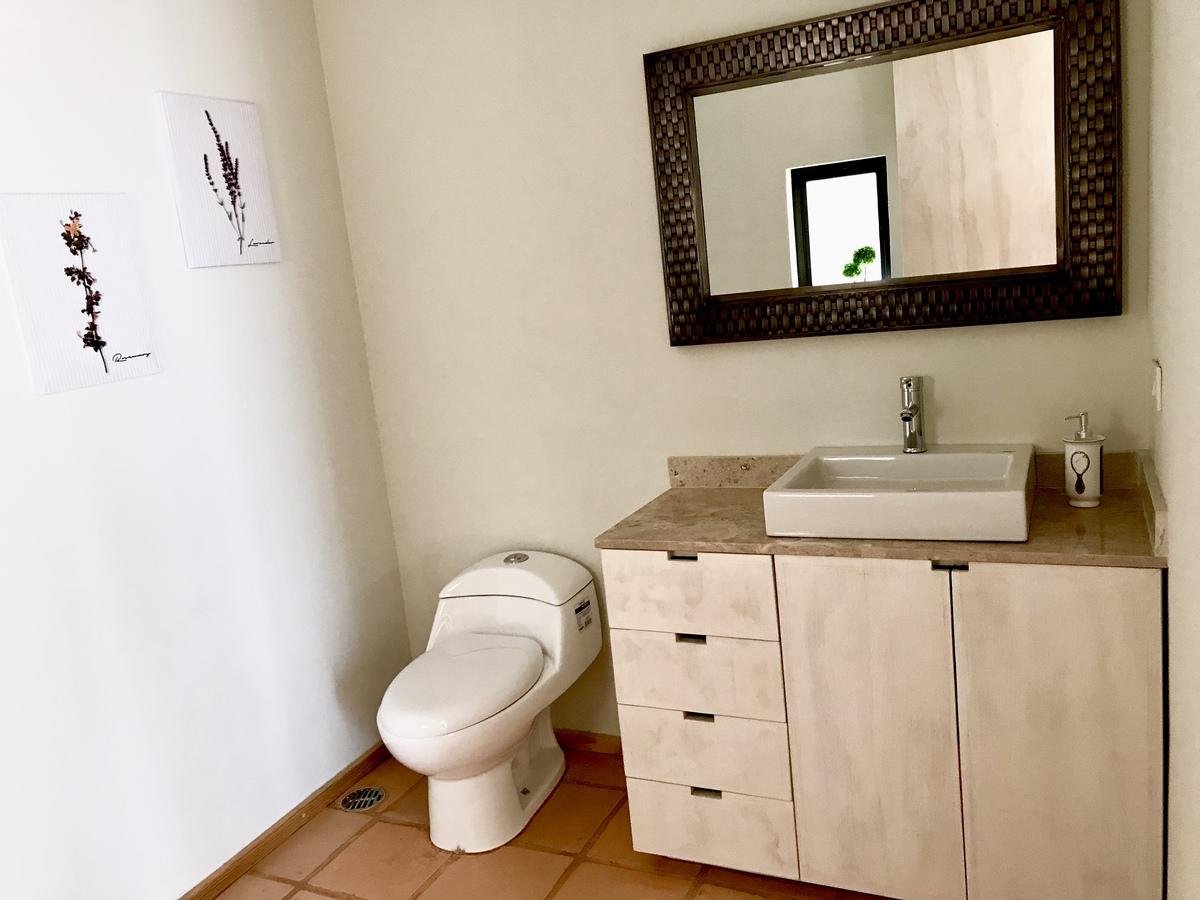 10 of 16: Acabado de los baños 2