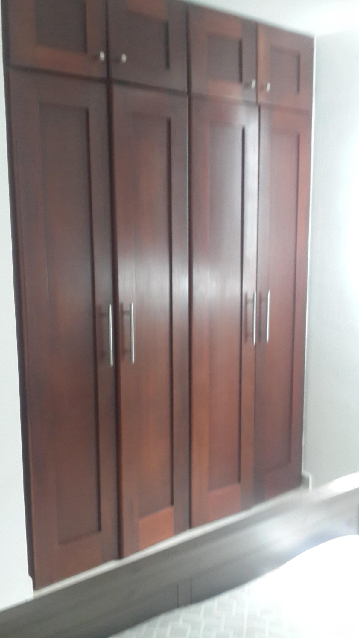 13 de 13: Cuenta con closets de madera