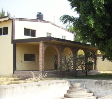1 de 16: Terraza de entrada