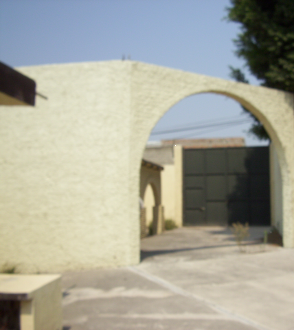 6 de 16: Portón de entrada